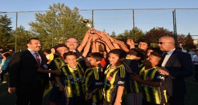 Kuran Kursu öğrencilerinin futbol turnuvası sona erdi