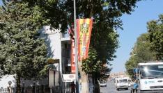 Sivas Caddesi sarı kırmızılı bayraklarla donatıldı