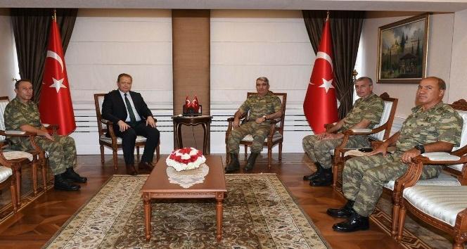 3. Ordu Komutanı Savaş, Trabzon Valisi Yavuzu ziyaret etti