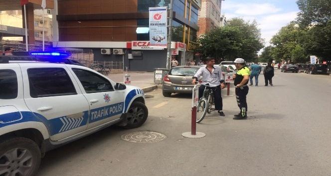 Iğdırda bisiklet sürücüleri denetlendi