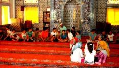 Sarıgölde Kuran kursunu bitiren çocuklara mangal keyfi
