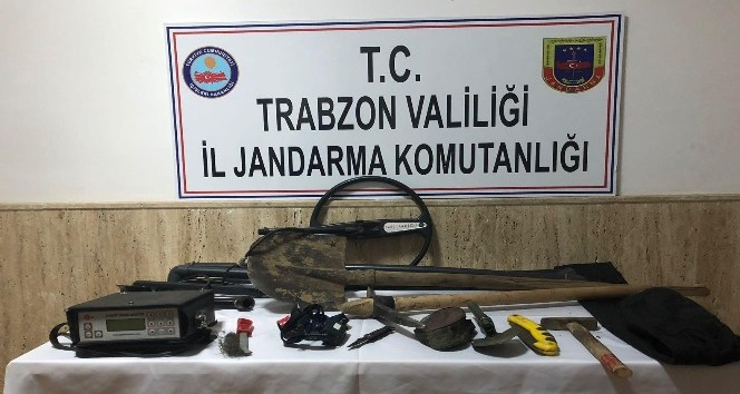 Trabzonda izinsiz define kazısı yapan 7 kişi gözaltına alındı