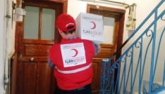 Kızılaydan ihtiyaç sahibi ailelere gıda yardımı