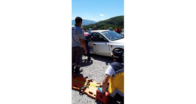 Kastamonuda traktör ile otomobil çarpıştı: 1 ölü, 2 yaralı