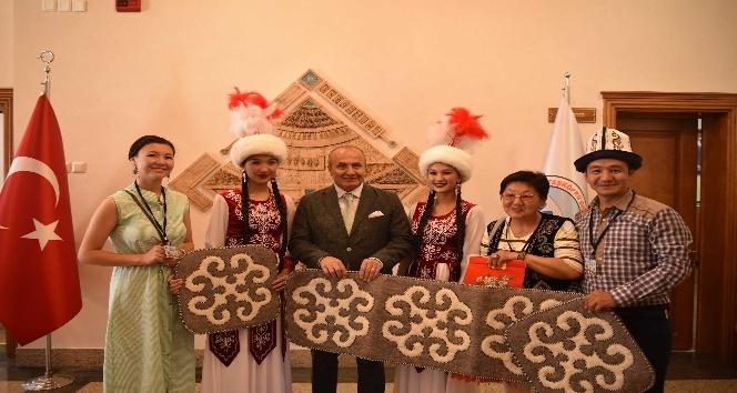Taşköprüde Yabancı Folklor Gruplarıyla resepsiyon yapıldı