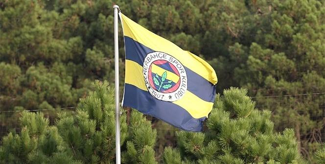 Fenerbahçe'de bir ayrılık daha! Resmen açıklandı