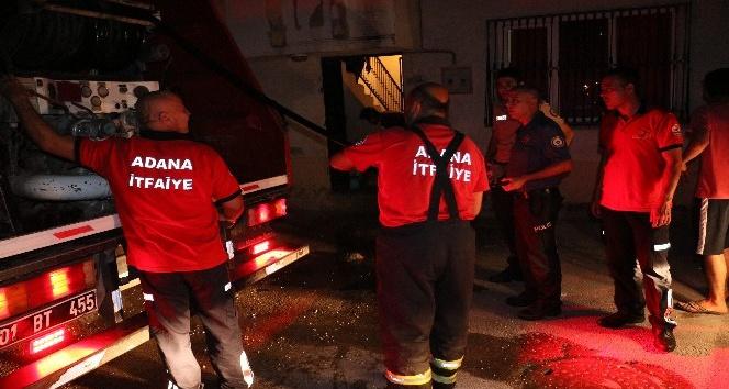 Alkollü şahıs kendi evini yaktı
