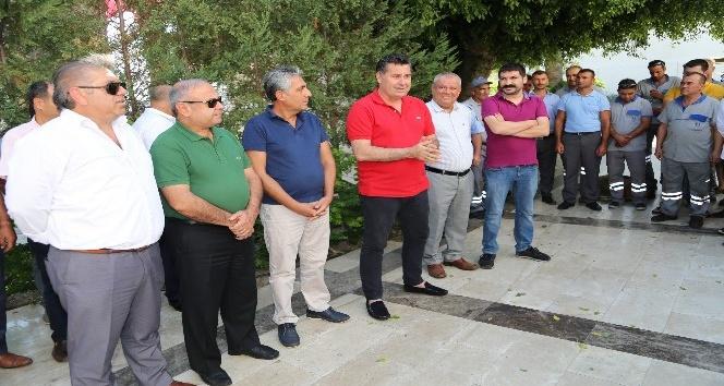 Başkan Kocadon personeliyle bayramlaştı