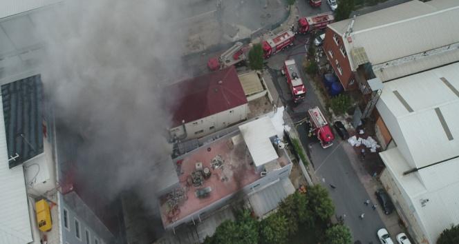 Avcılarda tekstil fabrikasında çıkan yangın korkuttu