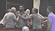 CHP danışma kurulu toplantısında Muharrem İnceye hakaret arbedesi