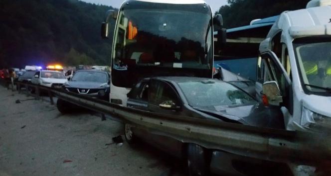 İnegölde feci kaza: 1 ölü, 15 yaralı