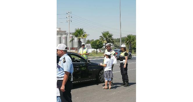 Kahramanmaraşta çocuklar trafik polisi oldu