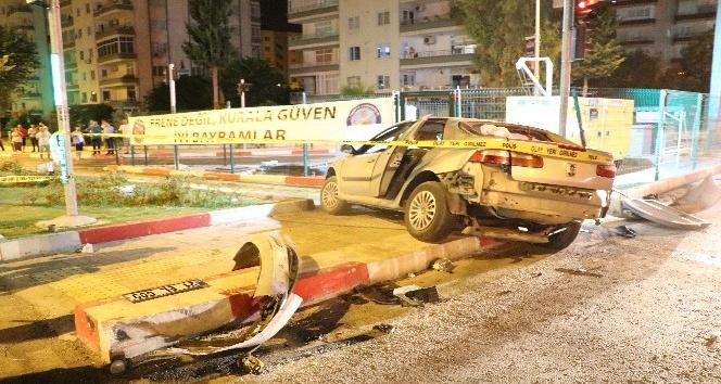 Mersinde feci kaza; 1 ölü, 4 yaralı