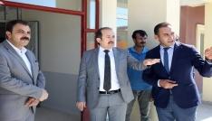 Vali Pehlivan Çoruh Mesleki Teknik Anadolu Lisesi inşaatında incelemelerde bulundu