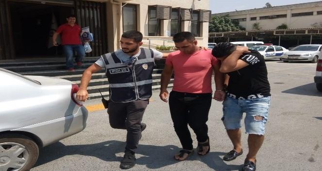 Tarsusta evlerin kapı kilidini kırarak, hırsızlık yapan 2 kişi tutuklandı