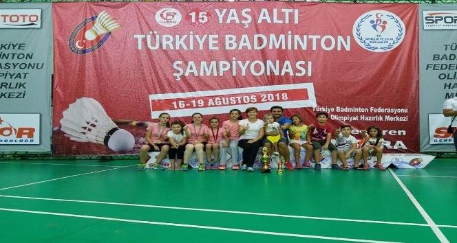 Badmintonda Türkiye Şampiyonu Oldular