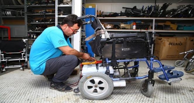 Tekerlekli sandalyeler Nilüferde ücretsiz tamir ediliyor