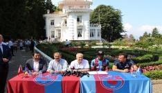 Trabzonsporun yeni transferi Nwekaeme sözleşmeye imza attı
