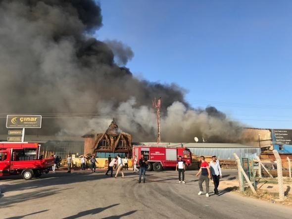 Büyük yangın! Onlarca itfaiye aracı müdahale etti