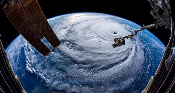 Florence Kasırgası etkisini sürdürüyor