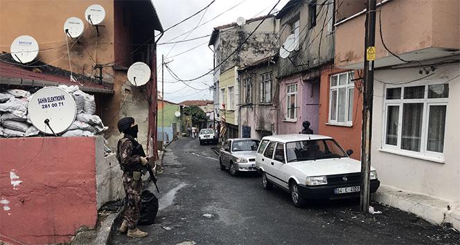 İstanbul'da pencereden atılan uyuşturucu maddeleri 'Eros' buldu