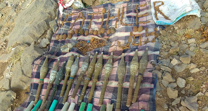 Hakkari'de PKK'ya ait çok sayı mühimmat ele geçirildi