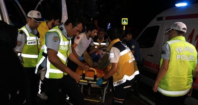 Hasta taşıyan ambulans kaza yaptı: 6 yaralı...
