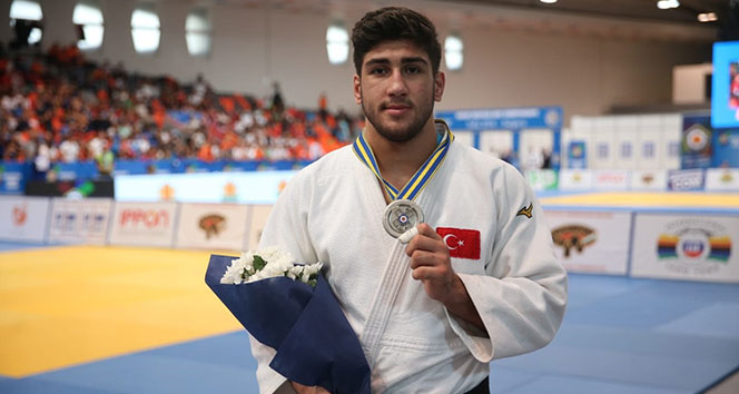 Judoda bir gümüş, bir bronz madalya