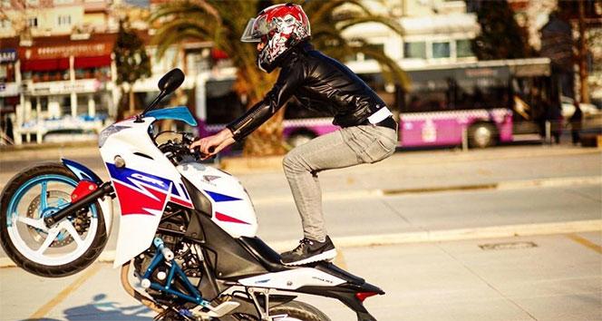 Bir motosikletli maganda daha!