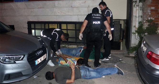 Beyoğlu'nda nefes kesen operasyon: 4 gözaltı
