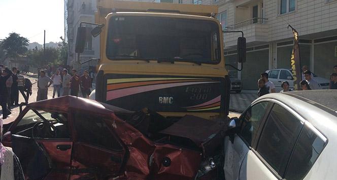 Freni boşalan kamyon dehşet saçtı |Çorum haberleri