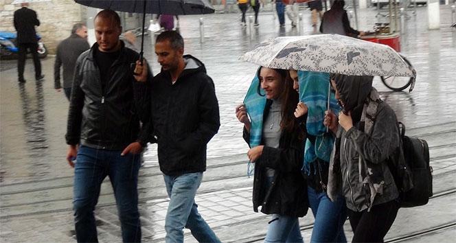 'Kestane Karası' fırtınası İstanbul'da etkili oluyor