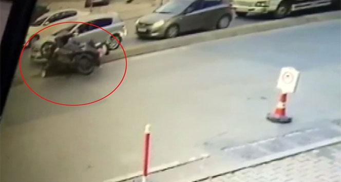 Motosikletlerin karıştığı feci kaza kamerada