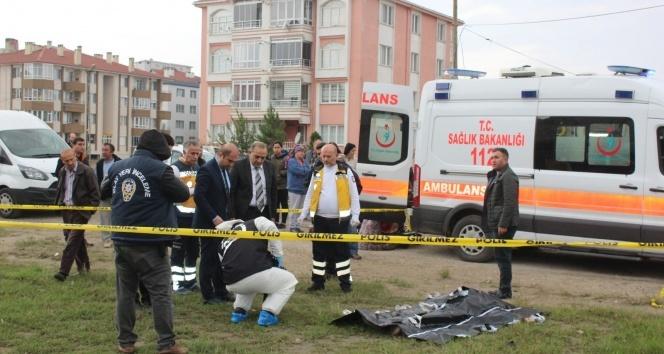 Tekirdağ'da vahşet: Eşini işe giderken sokak ortasında bıçaklayarak öldürdü