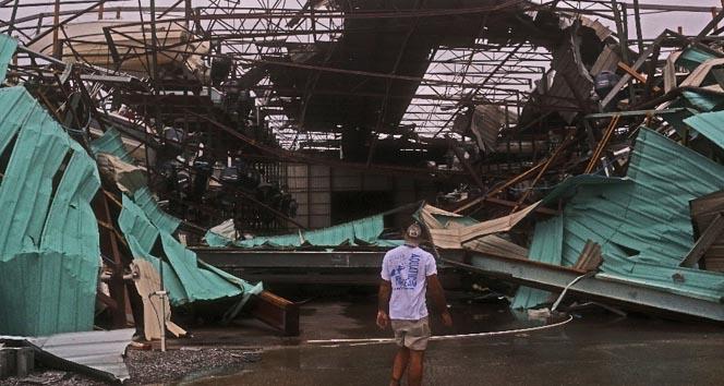 Michael Kasırgası 2 kişinin ölümüne yol açtı