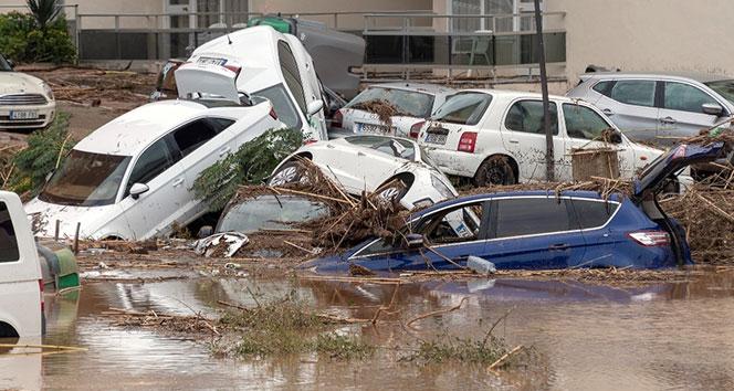 İspanya'da yaşanan sel felaketinde ölü sayısı yükseliyor