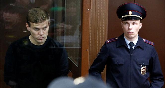 İki Rus futbolcu tutuklandı