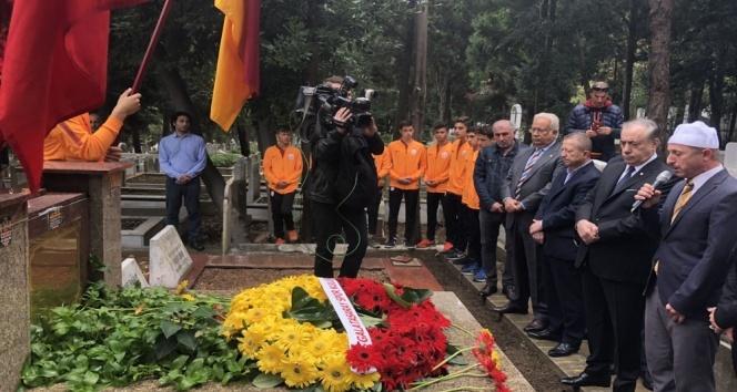 Galatasaray'ın kuruluşunun 113. yıl dönümünde Ali Sami Yen mezarı başında anıldı