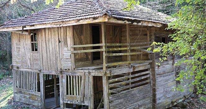 İki asırlık çivisiz cami restore edilmeyi bekliyor