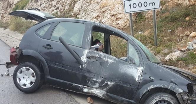 Otomobil su kanalına uçtu: 1 yaralı...
