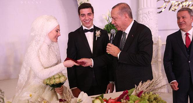 Cumhurbaşkanı Erdoğan nikah şahidi oldu..