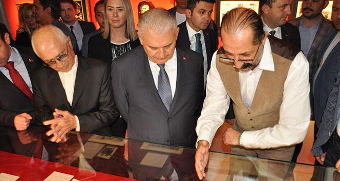 Binali Yıldırım Atatürk Sergisi'nin açılışını yaptı