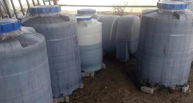 Evin bahçesinde 4 ton sahte içki ele geçirildi