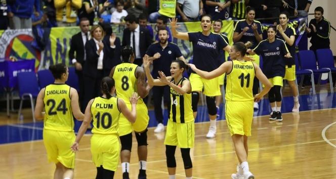 Fenerbahçe: 69 - Sopron Basket: 67