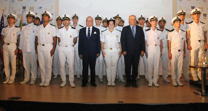 Genç denizciler brövelerini aldı!