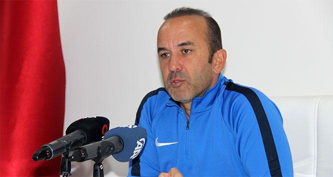 Mehmet Özdilek: 'Göztepe maçından galibiyet alıp milli takım arasına moralli girmek istiyoruz'
