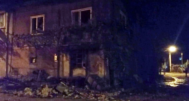 Alzheimer hastası yaşlı kadın yanan evde dumandan zehirlenerek öldü