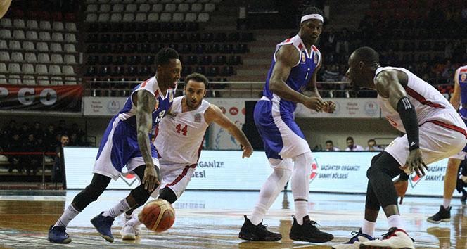 Gaziantep Basketbol farklı kazandı