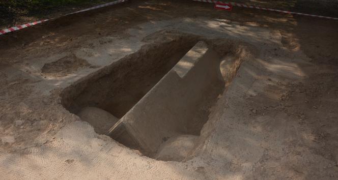 O lahitten 2300 yıllık mumyalanmış kadın ve erkek cesedi çıktı
