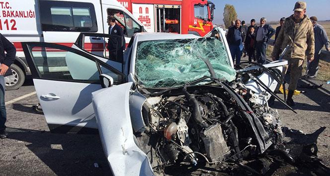 Horasan'da feci kaza: 3 ölü